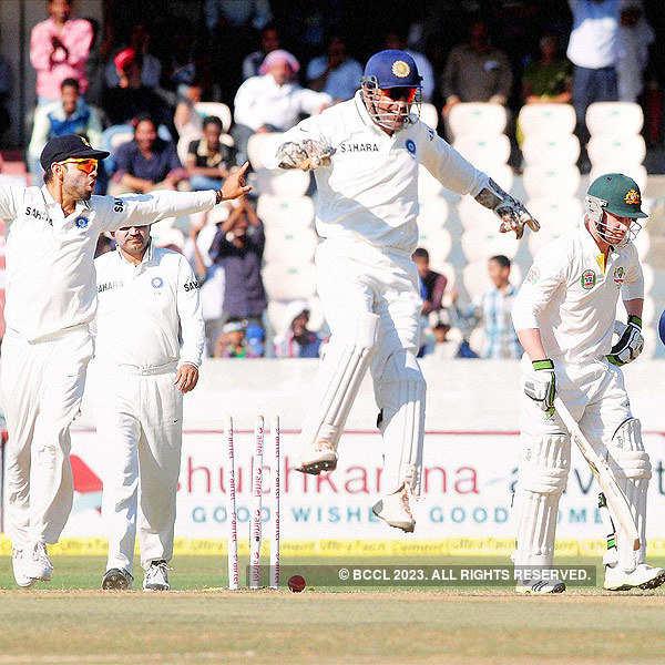 India crush Aus to go 2-0 up
