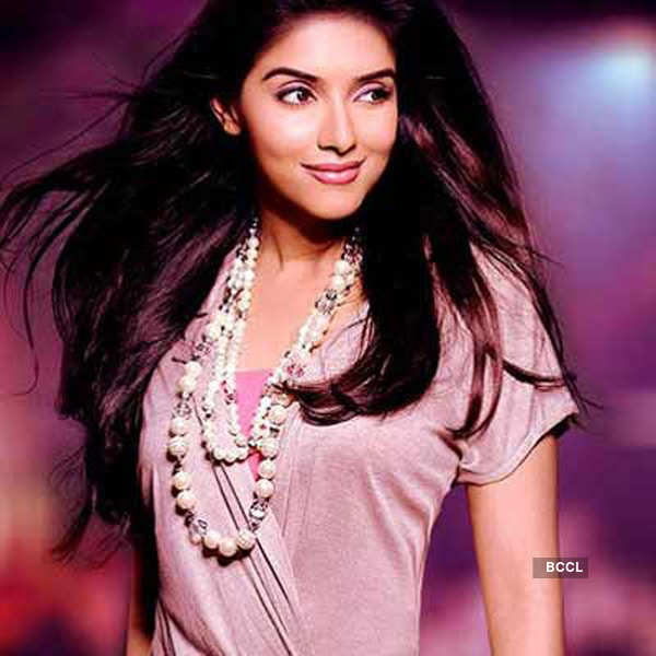 Asin to marry a US citizen?