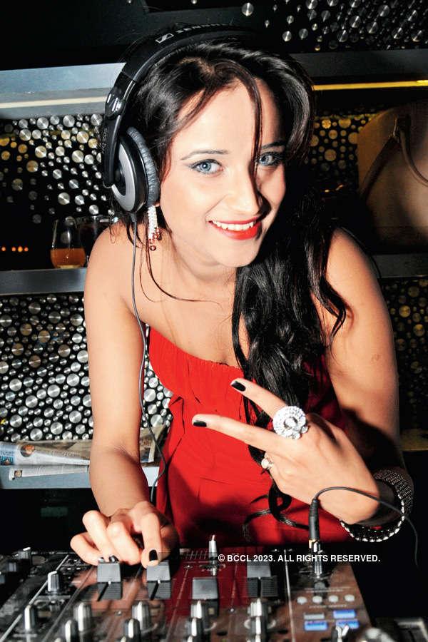 DJ night party at Masaya