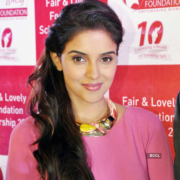 Asin at brand's charity event