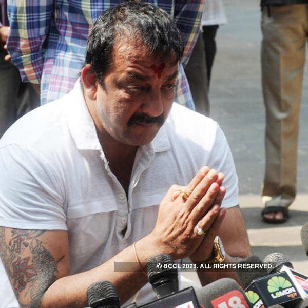 Sanjay Dutt decides to surrender on April 18