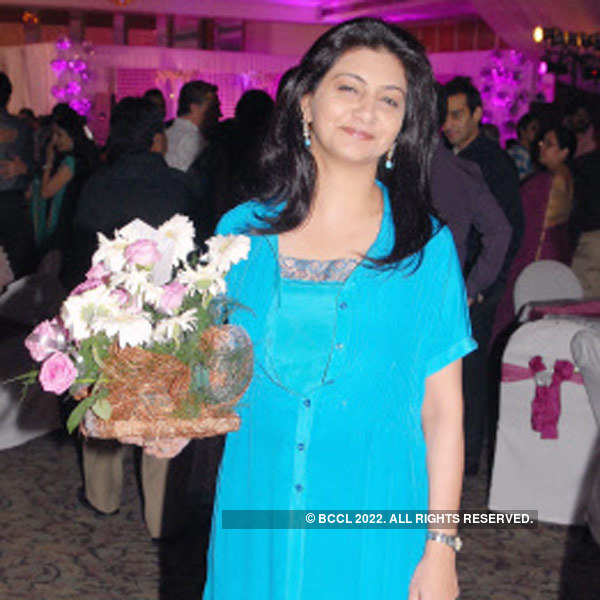 Kishore, Smita Sheth's anniversary party