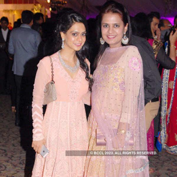 Kishore, Smita Sheth's anniversary party