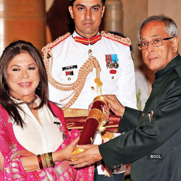 Celebs do the other Padma asana in Delhi