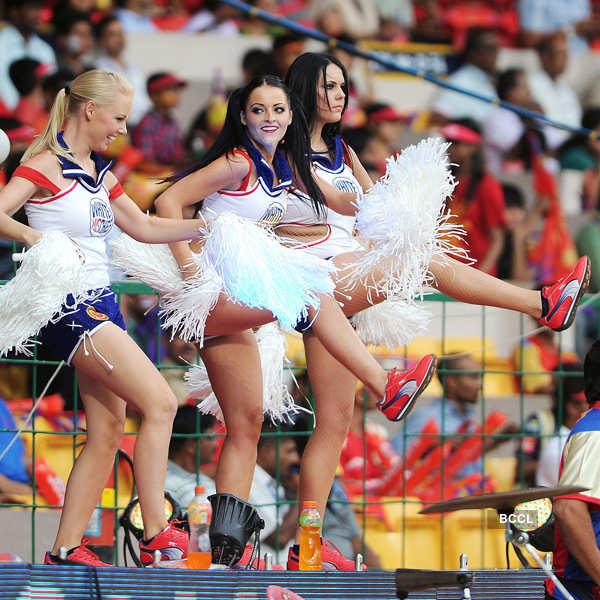 Cheerful Cheerleaders of IPL