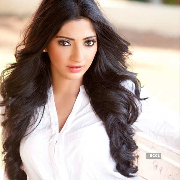 Divyani Singh's Portfolio pics