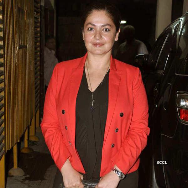 Pooja watches Aashiqui 2