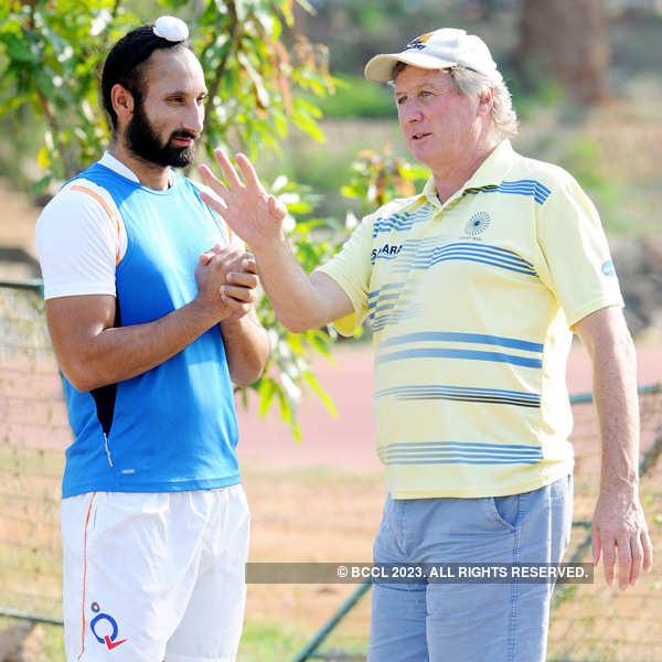 Sardar Singh to captain India on Netherlands tour