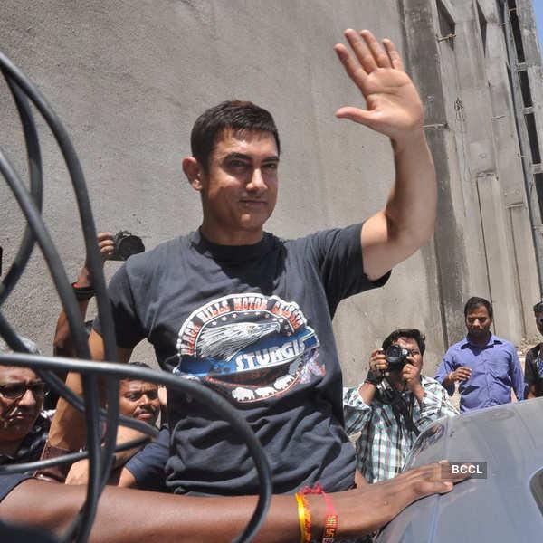 Aamir completes 25 years in Indian cinema