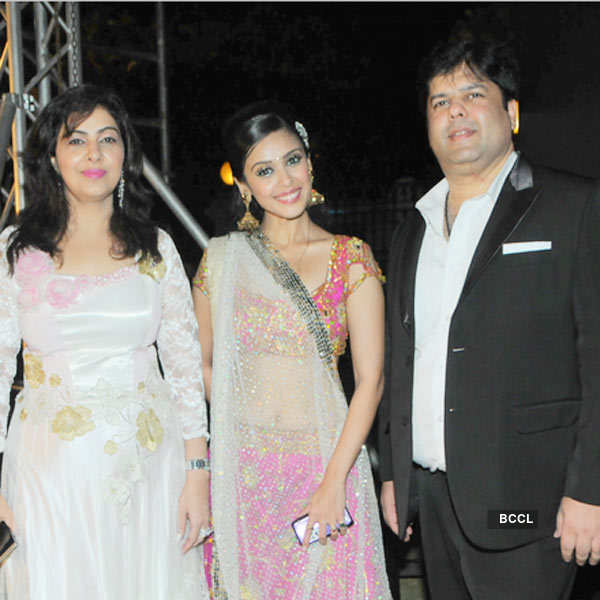 Kapil, Mmonika's bollywood connections