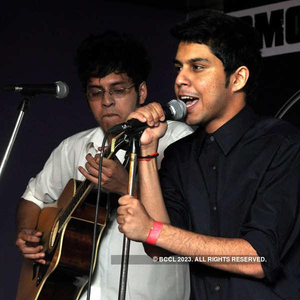Ifs and Buts perform in Kolkata