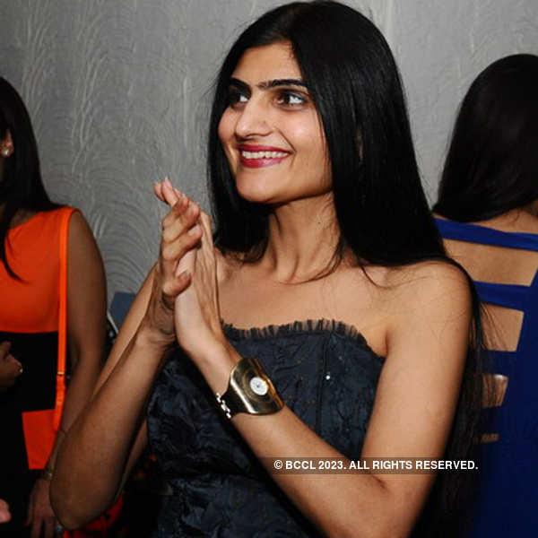 Djane Akanksha Popli @ Bollywood Night