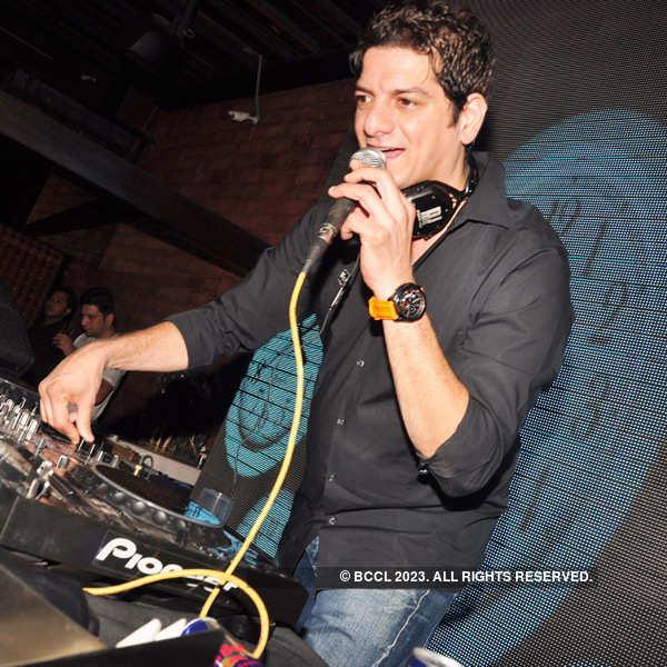 DJ Aqeel's live performance at Lemp