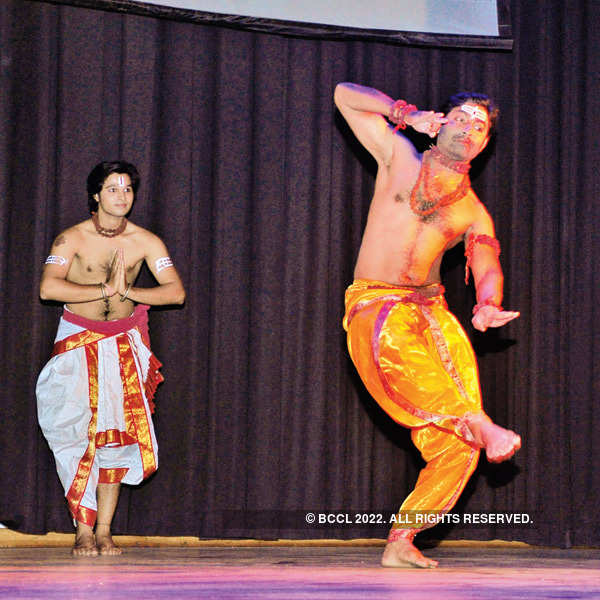 Artistes perform for a cause in Pink City