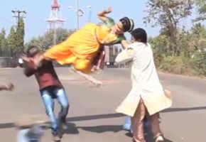 Kranti Redkar follows Salman Khan