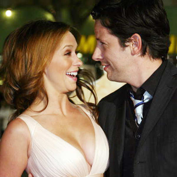 Jennifer Love Hewitt is pregnant!