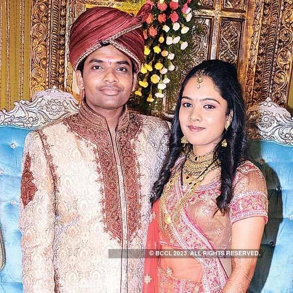 Sameer, Mayuri Srirangwar's wedding reception
