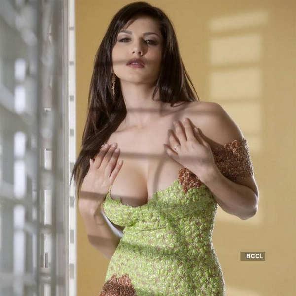 Sunny Leone's Portfolio Pics