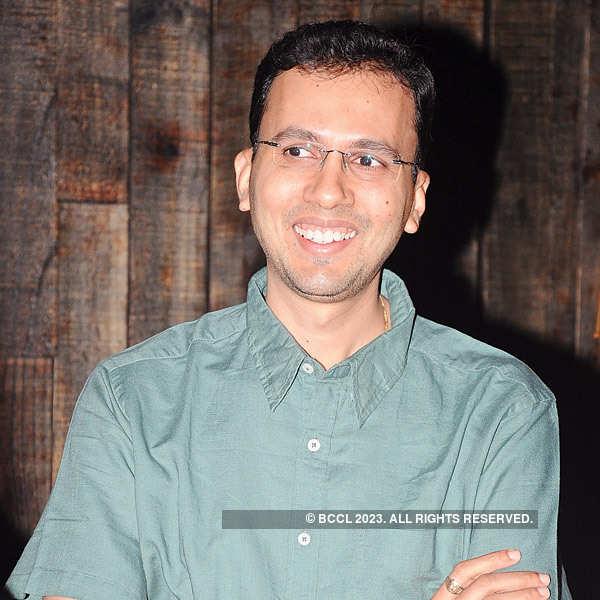 Neetu, Ritesh Arora's 10th anniversary bash