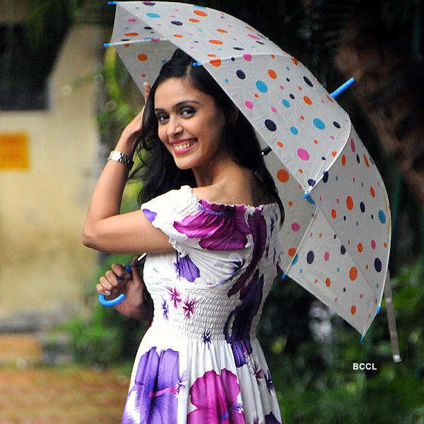 Hrishita enjoys Mumbai monsoon!