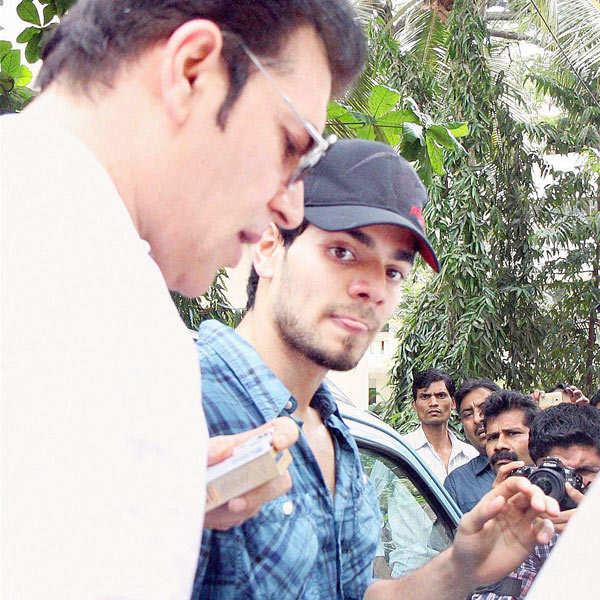 Sooraj Pancholi charged with abetting Jiah's suicide