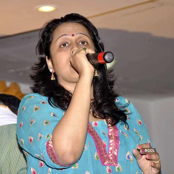 Ramesh-Seema's 50th wedding anniv.