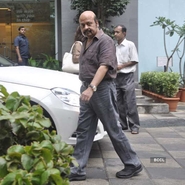 Celebs visit Hrithik at hospital