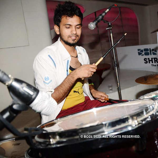 Sufi band Dor performs at Shroom
