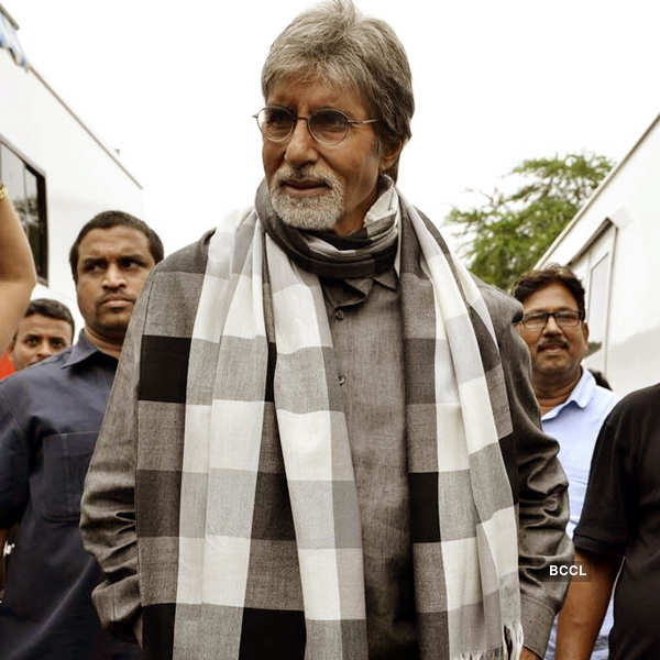 Big B shoots ad with south stars