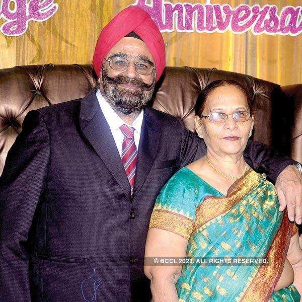 Harmohan, Usha Bhasin's 50th wedding anniversary