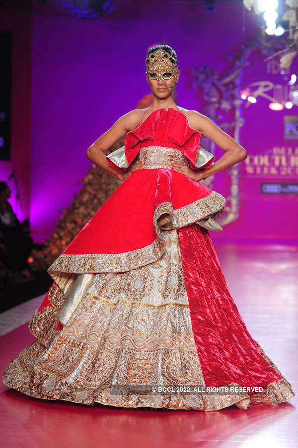 Nethra Raghuraman Showcases A Creation By Designer Ritu Beri On Day 4 Of Delhi Couture Week Held In New Delhi On August 03 2013