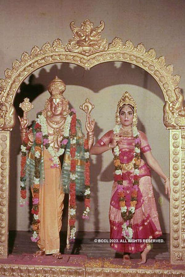Vyjayanthimala's TOI Archives - 100 Years of Indian Cinema
