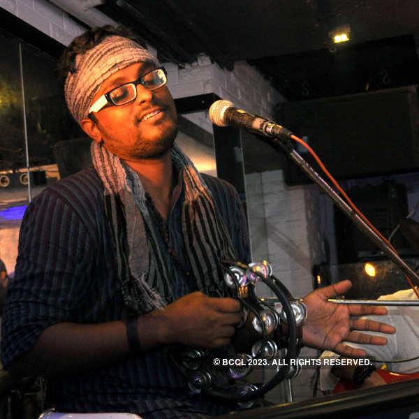 Band Fakira performs @ Basement