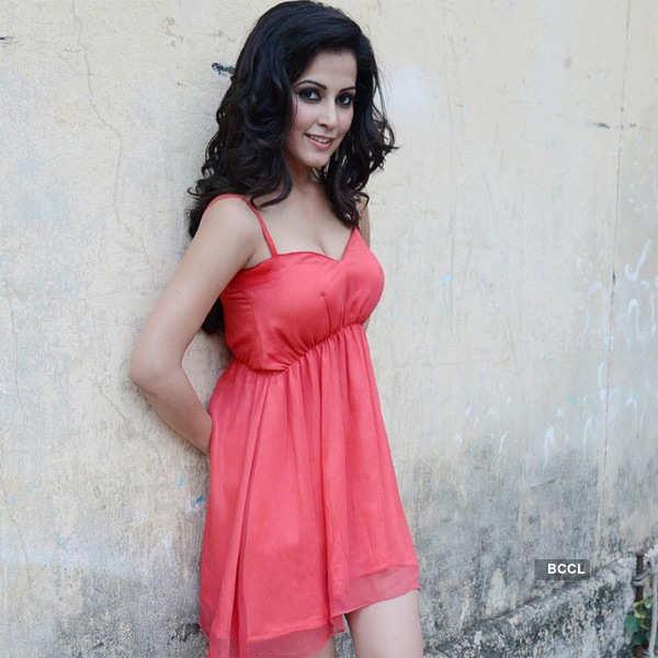 Disha Pandey's Portfolio pics