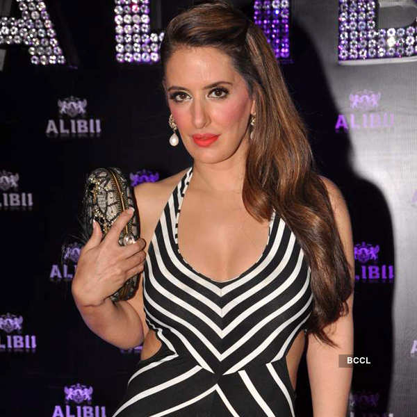 Celebs @ club's re-launch party