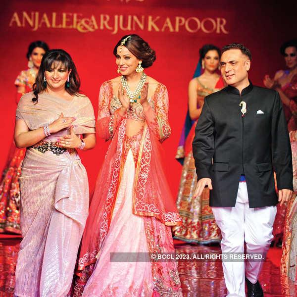 Bipasha walks for Anjalee & Arjun