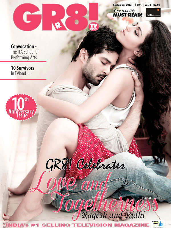 Hottest TV couples pose for magazine!