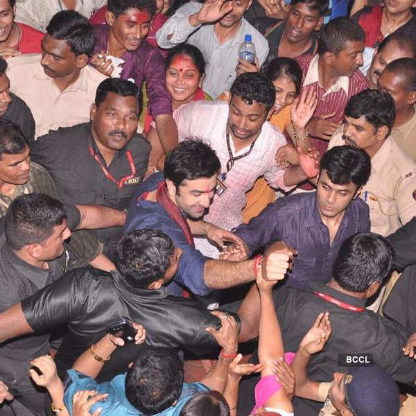 Ranbir at Lalbaug Ka Raja!