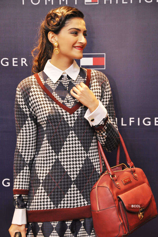 Sonam launches clothes collection