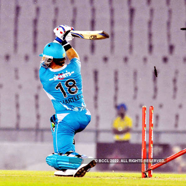 CL T20: Brisbane Heat vs Nashua Titans