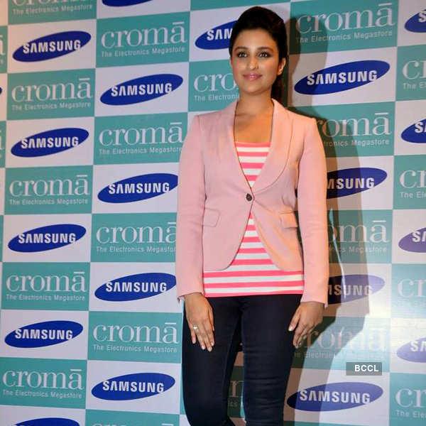 Parineeti launches Samsung Galaxy Note 3