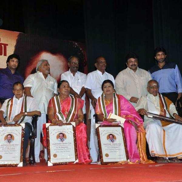 Stars pay tribute to Sivaji Ganesan