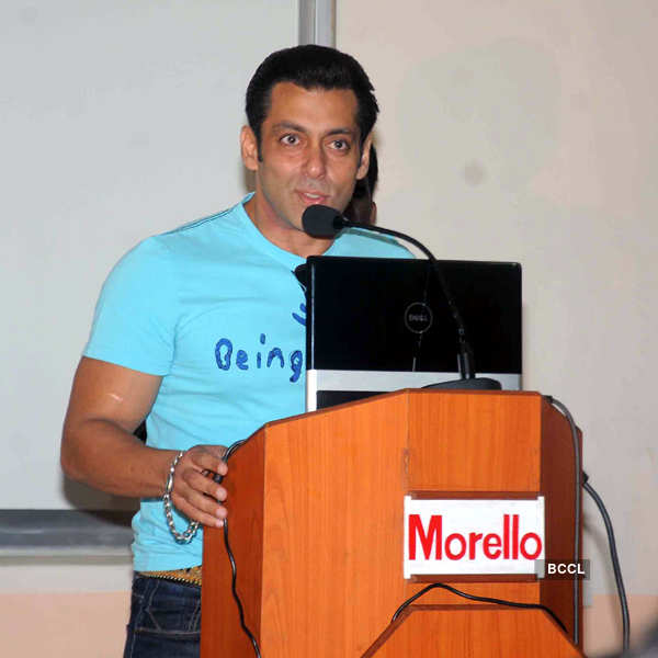 Salman attends charity event
