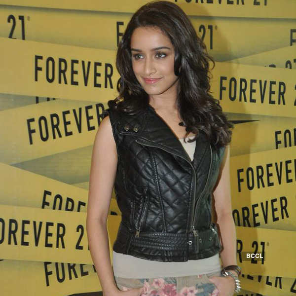Shraddha at Forever 21 store launch