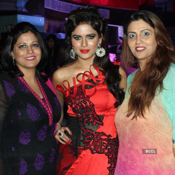 Manu, Mamta Rawal's fashion show