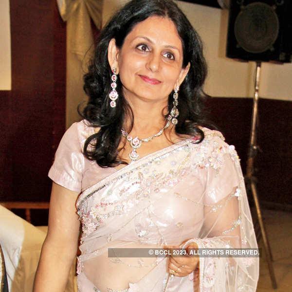 Sanjiv-Geetika's wedding anniversary