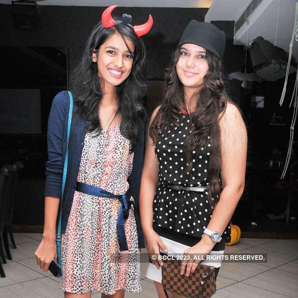 Club Se La Vie's Halloween Party