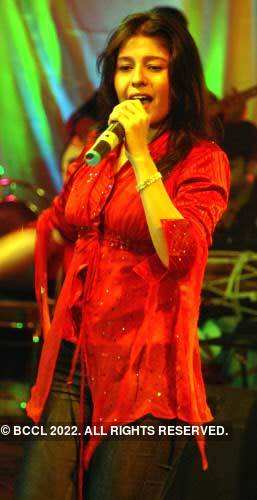 Sunidhi performs
