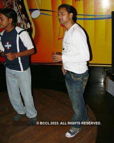 DJ Amit's b'day bash