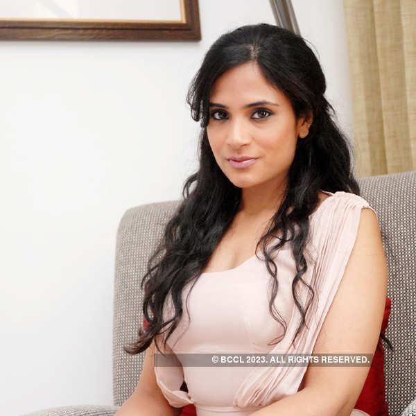 Richa Chadda's portfolio pics
